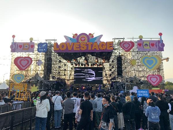 2020年杭州草莓音乐节舞台灯光设备租赁成功案例