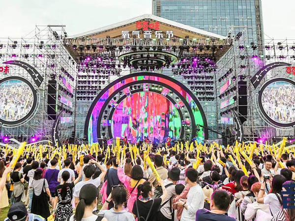 LED显示屏在音乐节上的应用优势