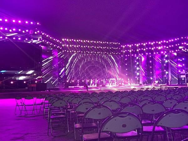 演出舞台当选LED租赁屏